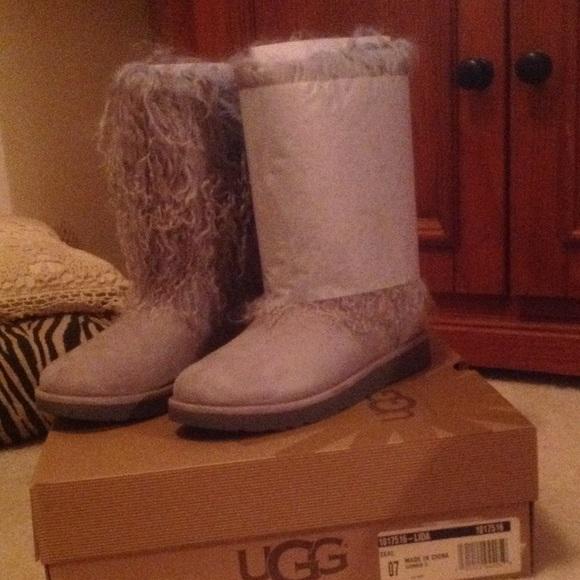 5ecd8a48016 UGG Lida Mongolian Boot Size 7 NWT